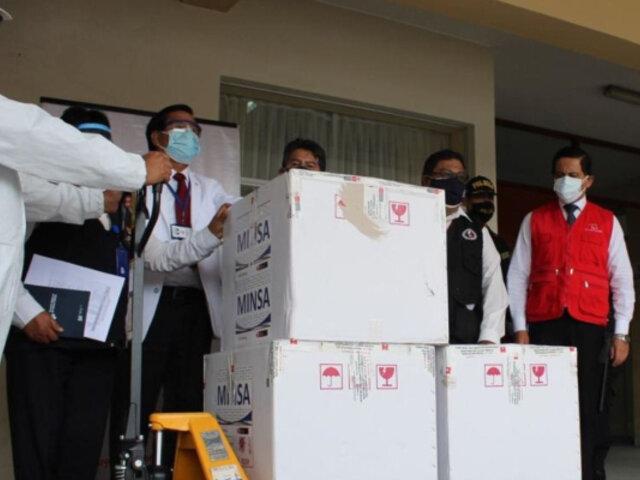Arequipa: Contraloría detecta faltante de dosis de vacunas covid-19 en Hospital Militar