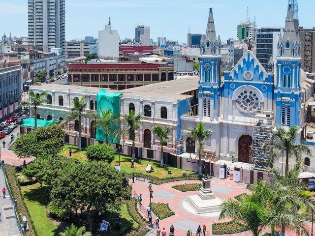 Muñoz inauguró obras de recuperación de Plaza La Recoleta