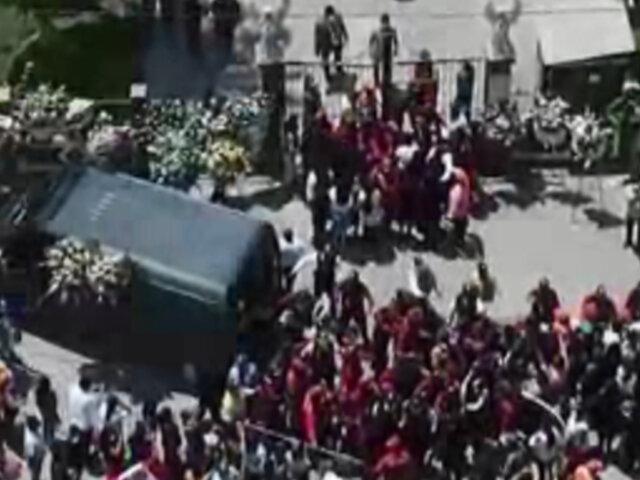 Vecinos de Lurín le dieron el último adiós a alcalde fallecido por COVID-19
