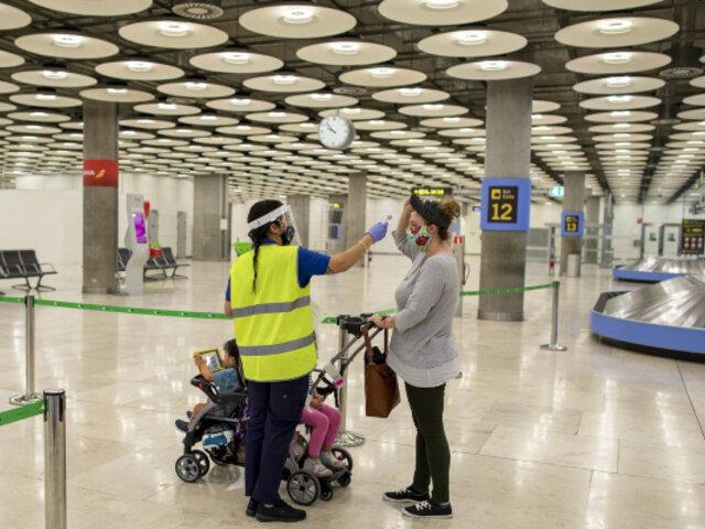 España impone cuarentena para viajeros que lleguen de Perú, Colombia y ocho países de África