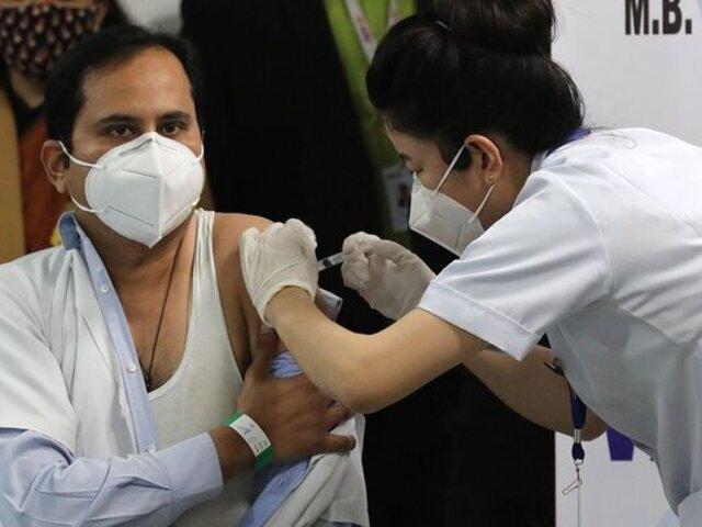 Jornadas de vacunación en India serán las 24 horas del día