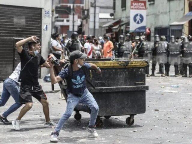 Mesa Redonda: cuatro fiscalizadores heridos tras ser atacados por ambulantes