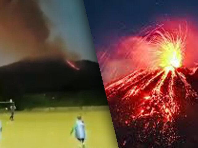 Niños son captados jugando fútbol frente al volcán Etna en plena erupción