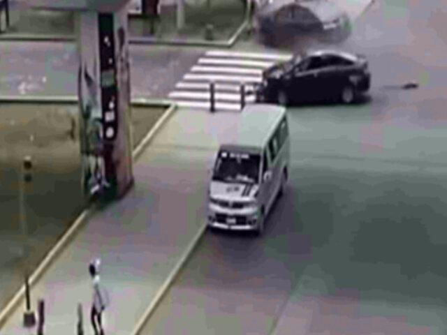 SJL: cruce de la muerte pone en peligro a conductores y transeúntes