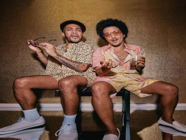 Bruno Mars y Anderson Paak lanzaron el primer sencillo de su proyecto en conjunto