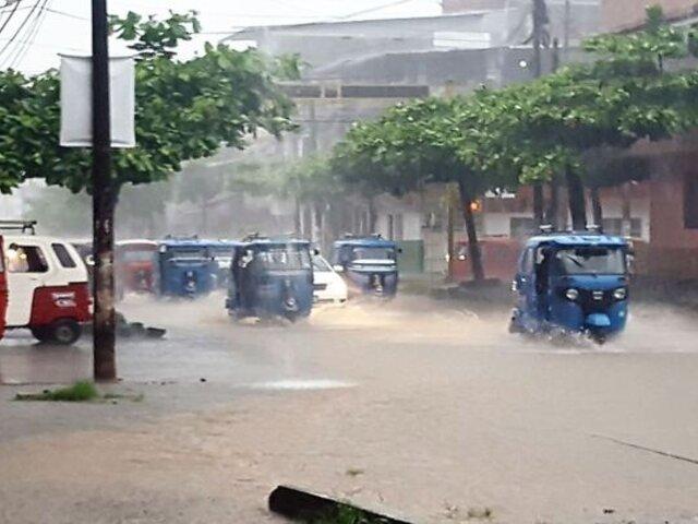 Calles y avenidas convertidas en ríos dejó torrencial lluvia en Iquitos