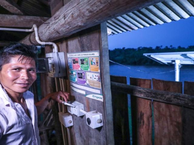Minem: Más de 26.500 hogares rurales accederán a la energía eléctrica por paneles solares