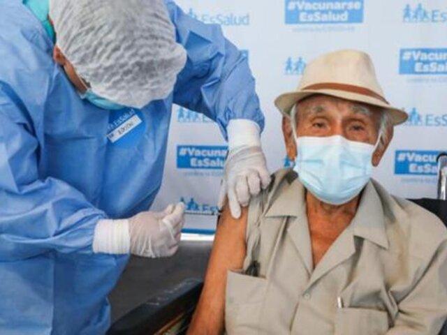 Vacunación a mayores de 80 años: estos son los centros donde se inmunizará del 16 al 18 de abril