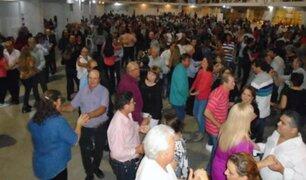 Argentina: más de 500 adultos mayores participan de fiesta COVID sin mascarilla