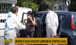 Surco: rescatan a madre e hija que chocaron auto contra una vivienda