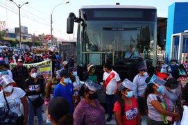 Bloquean vía exclusiva del Metropolitano y otras avenidas exigiendo proyecto de agua potable