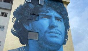 Diego Maradona: le rinden homenaje con impresionante mural en Nápoles