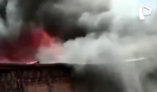 Piura: incendio arrasó con más de 30 casas en Sullana