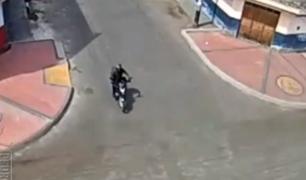 Tarapoto: cámara capta choque entre taxi y moto