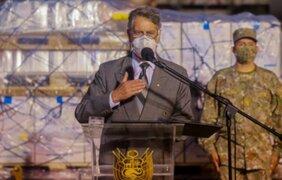 Presidente Sagasti lleva 21 990 dosis de vacuna de AstraZeneca a Pucallpa