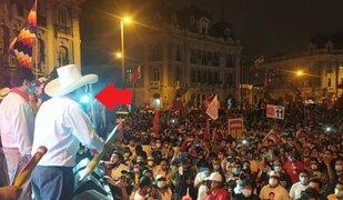 Pedro Castillo realiza cierre de campaña en plaza Dos de Mayo pese a restricción