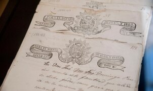 Argentina devuelve a Perú documentos históricos que fueron robados