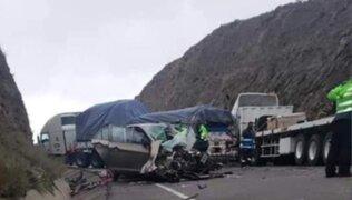 Arequipa: madre de dos niñas fallece tras violento choque en Imata