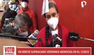 Verónika Mendoza acude a votar y luego viajará a Lima para recibir primeros resultados