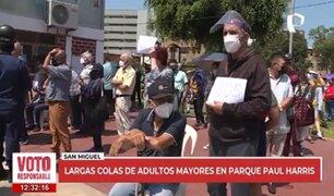 Parque Paul Harris: adultos mayores esperan en largas colas desde las 7 a.m. para ejercer su voto