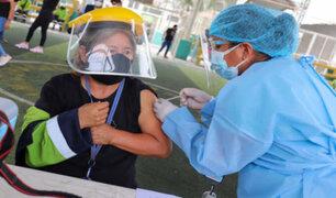 Inicia vacunación contra la COVID-19 de personal de limpieza pública en Ica
