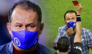 Juan Reynoso recibe tarjeta roja en el Cruz Azul vs Chivas