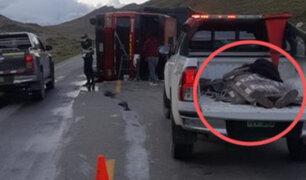 Carretera Central: Sujeto ebrio despista camión y finge estar muerto para no ser detenido