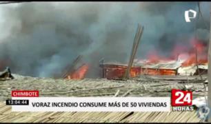 Chimbote: incendio destruyó más de 50 casas