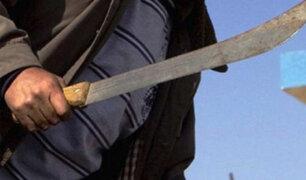 A machetazos se enfrentaron ambulantes contra fiscalizadores en Mesa Redonda