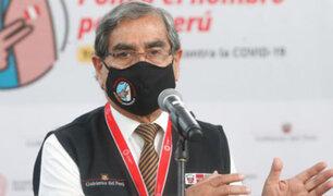 Óscar Ugarte: ministro de Salud fue vacunado contra la COVID-19