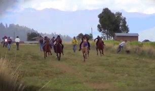 Cusco: adolescente muere tras caer de caballo durante una carrera ilegal