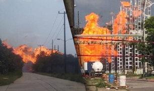 México: explosión ocasiona gigantesco incendio en un complejo petroquímico