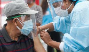 Covid-19: Gobierno espera iniciar el 30 de abril vacunación de personas mayores de 70 años