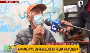 El drama de Paco: Anciano vive en remolque y necesita ayuda urgente