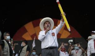 """Castillo se reunió con científicos peruanos y afirmó que """"hay que industrializar el país"""""""