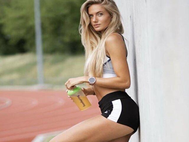 Alica Schmidt, la atleta más sexy del mundo, entrena con jugadores del B. Dortmund