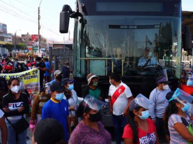Metropolitano: buses recortan ruta por bloqueo de Av. Túpac Amaru y cierre de estaciones
