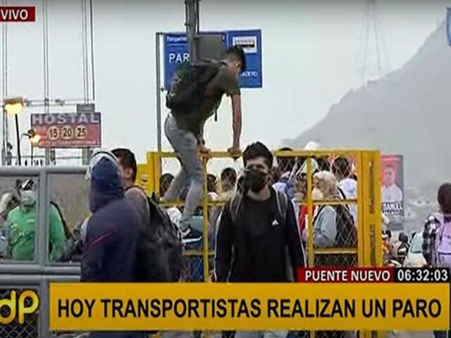 Paro de transporte público: Puente Nuevo registra largas colas y desorden por escasez de vehículos