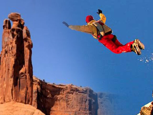 Este salto base se convierte en el mejor del año