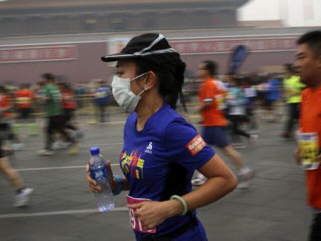 China: 12 mil corredores se reúnen en maratón sin usar mascarillas