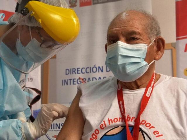 Ugarte: todas las regiones empezarán vacunación de adultos mayores a partir de esta semana