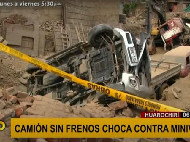 Huarochirí: camión sin frenos choca contra miniván