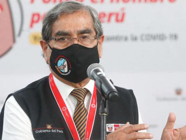 Ministro Óscar Ugarte informa que este domingo llegarán 260 mil vacunas de AstraZeneca