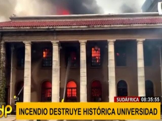 Sudáfrica: Incendio forestal destruyó histórica biblioteca de Universidad del Cabo