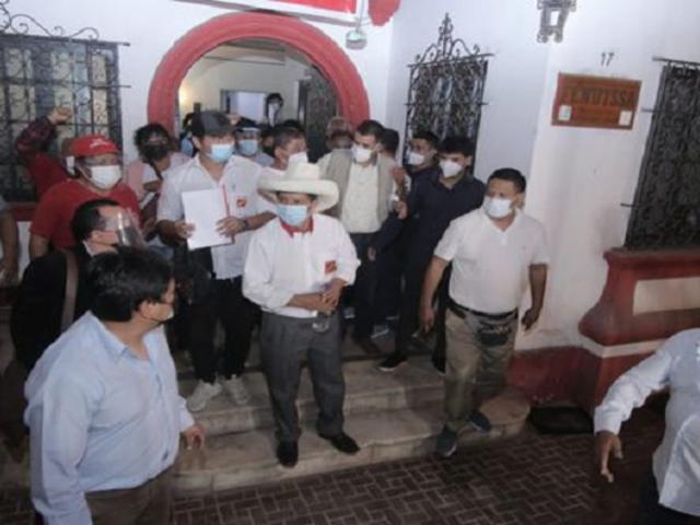 Breña: Pedro Castillo se reunió con gremios y dirigentes del sector salud