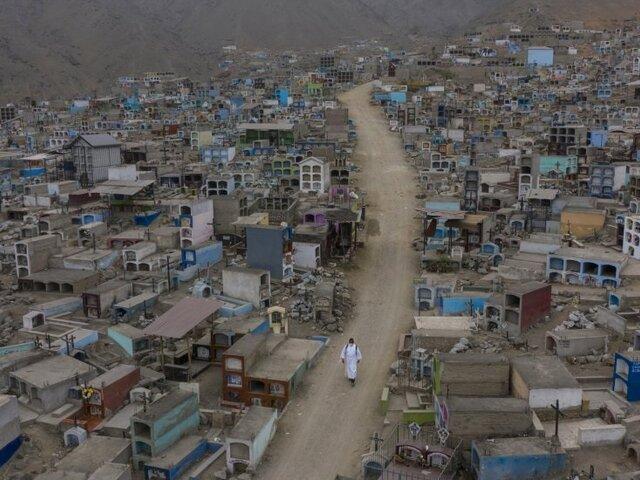 Municipalidad de Comas advierte que cementerios están a punto de colapsar