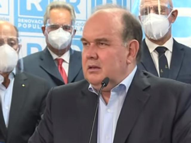 López Aliaga propone a partidos firmar pedido para expulsar a Odebrecht del Perú