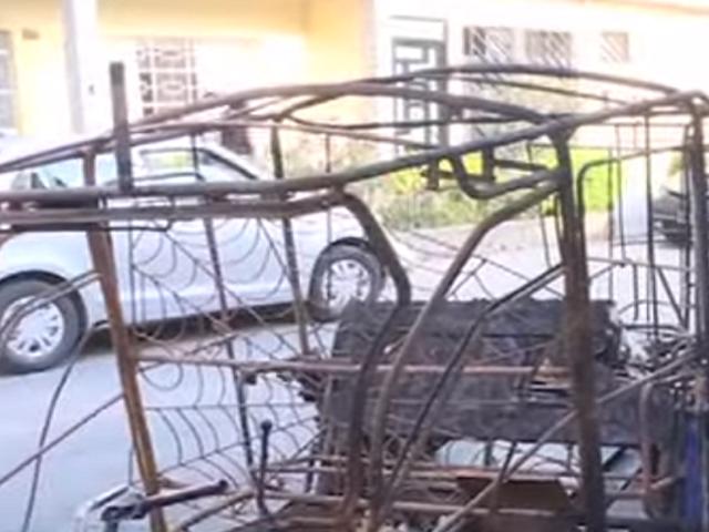 Pucallpa: mototaxi se prendió en llamas tras sufrir cortocircuito