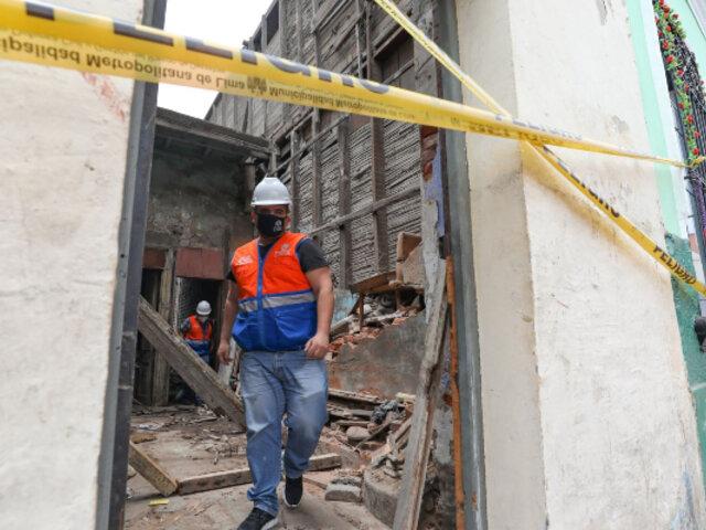 Barrios Altos: derrumbe de paredes de casona también afectó un carril del jirón Huanta