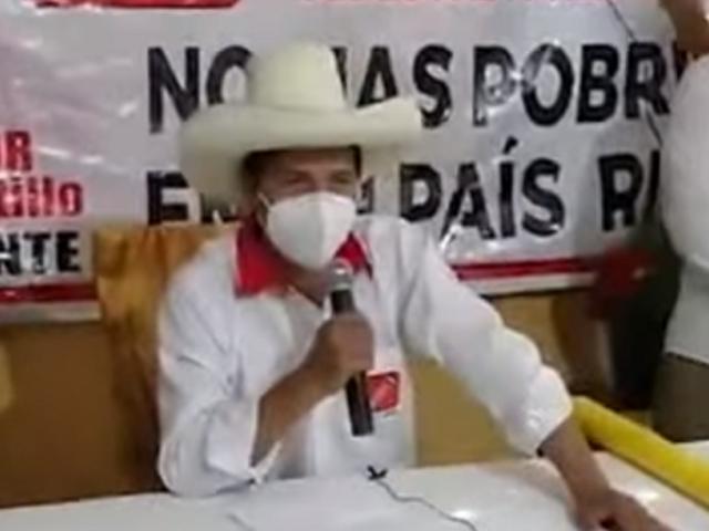 Pedro Castillo asegura que cambio de Constitución dependerá de un referéndum
